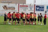 """El concejal de deportes asiste al entrenamiento en el """"Juan Cayuela"""" de los jugadores de la selección suiza sub-21"""