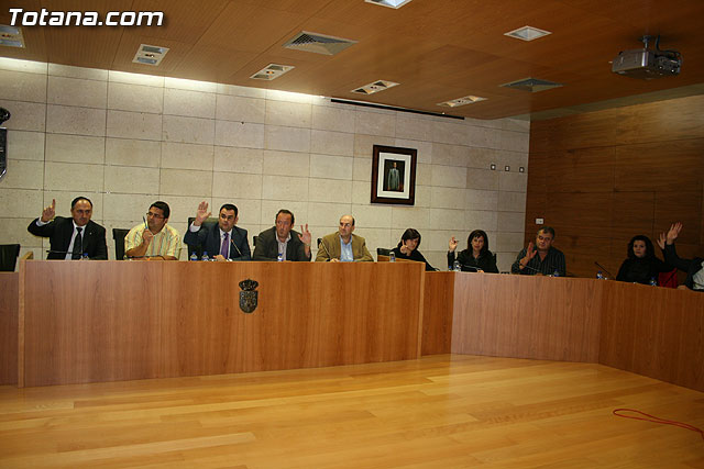 The full council requests the Central Government to include in the general construction of the Rambla de Lebor, Foto 1