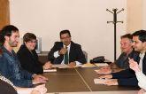 El alcalde se reúne con miembros de la Asociación de Vecinos y de la Comunidad de Propietarios de Country Club