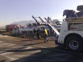 Restablecido el tráfico de la A-7 que fue cerrado por el vuelco de un camión con gasoil - Foto 8
