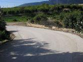 El Ayuntamiento mejora la visibilidad de la curva de los Pavos ensanchando el camino