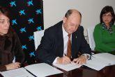 El Ayuntamiento y la Caixa firman un acuerdo para la financiaci�n de microcr�ditos para facilitar operaciones de pr�stamo a personas con recursos limitados