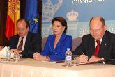 El alcalde del Ayuntamiento de Alhama firmaba ayer tarde en Madrid con la ministra de Fomento el convenio con cargo al 1% Cultural para la restauraci�n de la muralla norte del Castillo