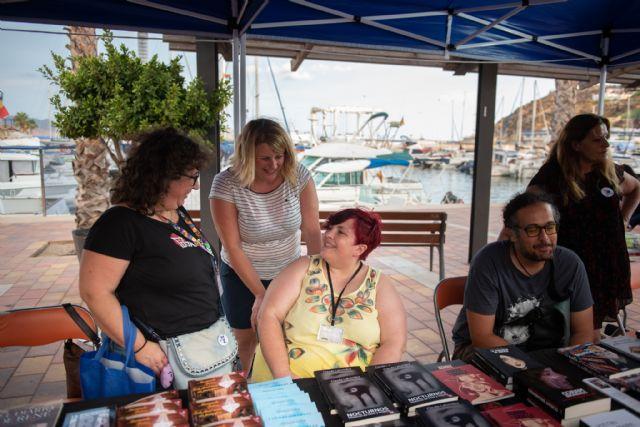 Lectores y escritores se citan en el Puerto Deportivo con