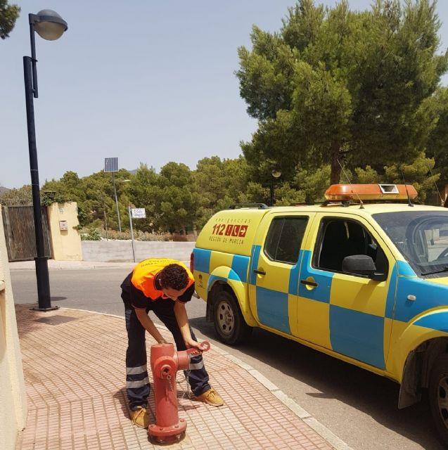 Voluntarios de Protección Civil realizan una revisión técnica a más de dos centenares de hidrantes