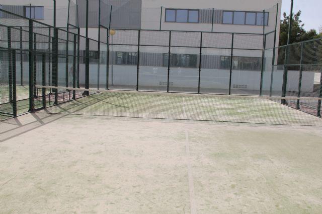 Puerto Lumbreras renovará la superficie de tres pistas de pádel en el polideportivo municipal - 2, Foto 2