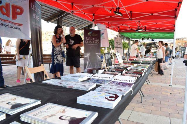 La literatura conquistó Puerto de Mazarrón con la celebración de ´La Bahía de los Libros´ - 2, Foto 2