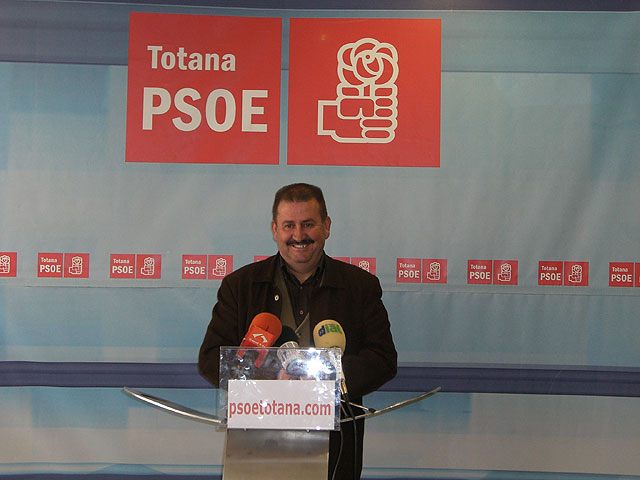 """The Executive Committee of the PSOE in Totana is satisfied it """"political persecution is over to Councilman Andrew Smith"""", Foto 1"""