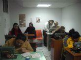 Se pone en marcha un taller de costura con el fin de  propiciar la participación y la inclusión social de personas de etnia gitana