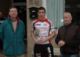 Michel Espinosa, primero en la categoría junior de la carrera ciclista Interclub