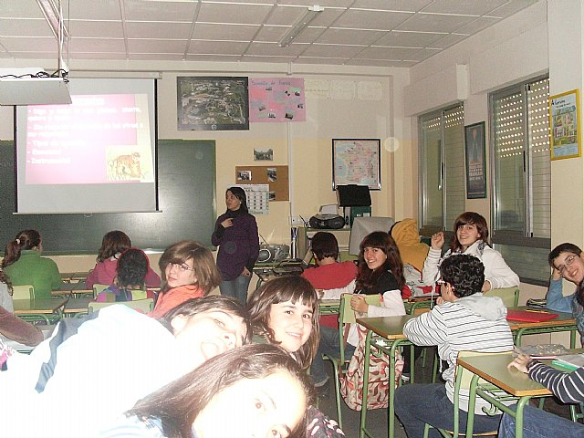 "Cerca de  600 alumnos de secundaria se benefician del ""Taller de resolución de conflictos"", Foto 1"