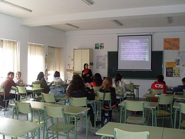 "Cerca de  600 alumnos de secundaria se benefician del ""Taller de resolución de conflictos"", Foto 2"