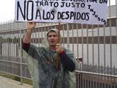 IU muestra su apoyo a Andr�s Ariza, trabajador despedido de ElPozo