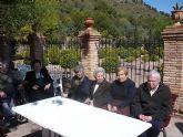 Los usuarios del Centro de Estancias Diurnas de Alhama realizan una visita a la Santa de Totana