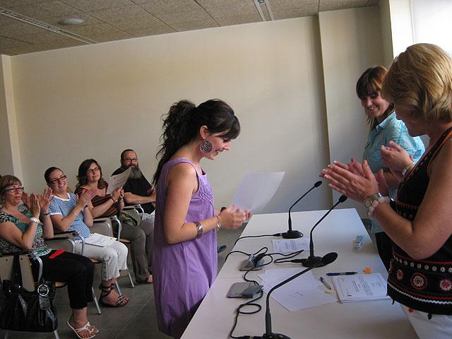 Se realiza la entrega de los diplomas de varios cursos para mujeres, Foto 3