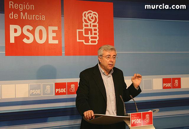 El PSOE afirma que la Región recoge los frutos de una mala gestión política en turismo y de una nefasta campaña de promoción, Foto 1