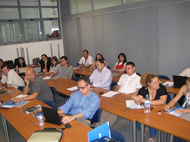 Las jornadas Fase 09 Tecnológica: Tecnología al servicio de la PYME, ventas y organización contaron con la asistencia de una veintena de personas, Foto 2