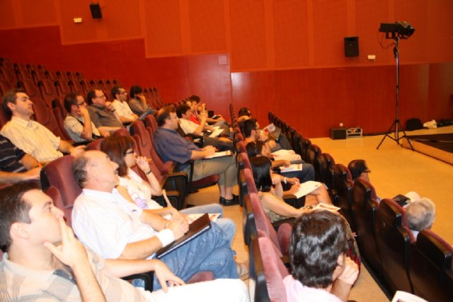Los ministerios de Industria y Vivienda posibilitan  a los ayuntamientos  murcianos ofrecer la información urbanística a través de su Web, Foto 2