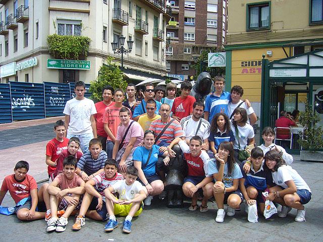 El Club Fútbol-Sala Capuchinos viajó a la localidad asturiana de Cangas del Narcea, Foto 2