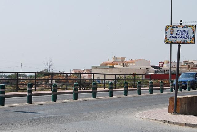 La entrada al centro del casco urbano del tráfico rodado por la Avenida de la Rambla de la Santa ha tenido que ser cortada, Foto 1