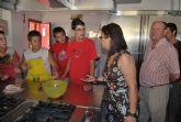 El alcalde y la edil de Pol�tica Social visitan los alumnos del Taller de Dinamizaci�n Social