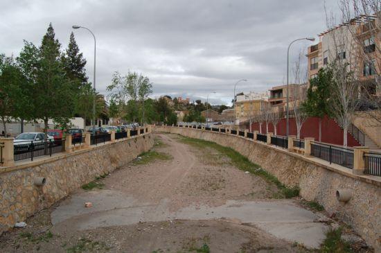 El paseo de la Avenida Rambla de La Santa comenzará a transformar su imagen, Foto 1