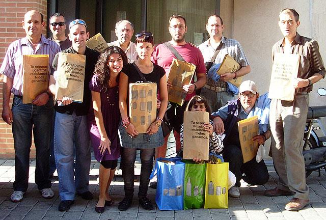 Los usuarios del Servicio Municipal de Apoyo Psicosocial se suma a la campaña de reciclaje Tribolsa, Foto 1