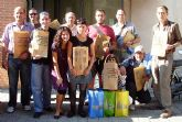 Los usuarios del Servicio Municipal de Apoyo Psicosocial se suma a la campaña de reciclaje Tribolsa