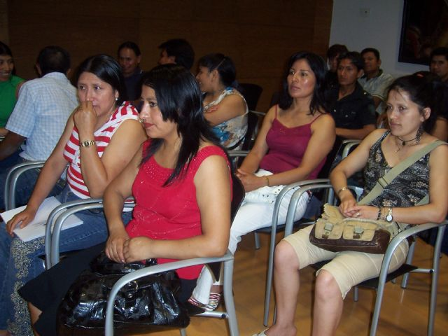 Esta tarde a las 20:00 h comienza la tercera edición del Programa de Apoyo de Autoempleo y Creación de Empresas dirigido al colectivo de inmigrantes, Foto 1