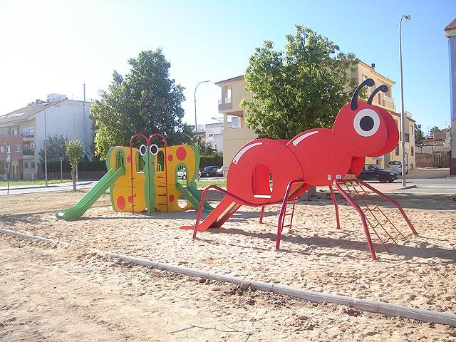 parques y jardines dota de nuevos juegos infantiles el parque jabalina en san javier foto