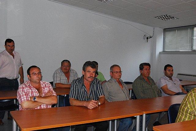 Autoridades municipales asisten a la Asamblea General de la Asociación de Transportistas del Bajo Guadalentín, Foto 2