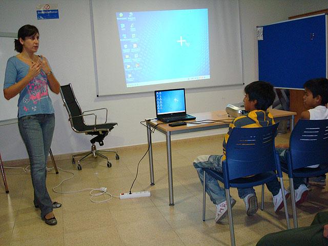 """Proyecto de """"Integración socioeducativa de menores y jóvenes en situación o riesgo de exclusión social"""", Foto 2"""