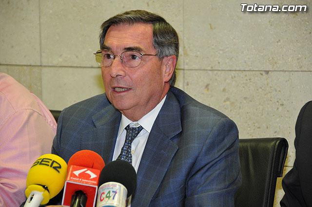 El Defensor del Pueblo de la Región de Murcia visita Totana, Foto 1