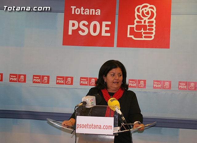 Lola Cano ofreció una rueda de prensa para valorar la visita a Totana del Defensor del Pueblo, Foto 1