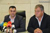 El alcalde pide al delegado del Gobierno que intensifique el dispositivo de seguridad de la Guardia Civil ante la oleada de robos de uva de mesa