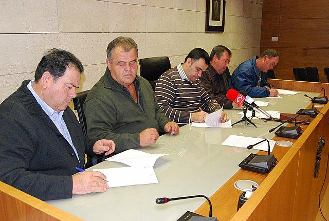 El ayuntamiento de Totana firma tres convenios de colaboración con las asociaciones agrarias, Foto 1