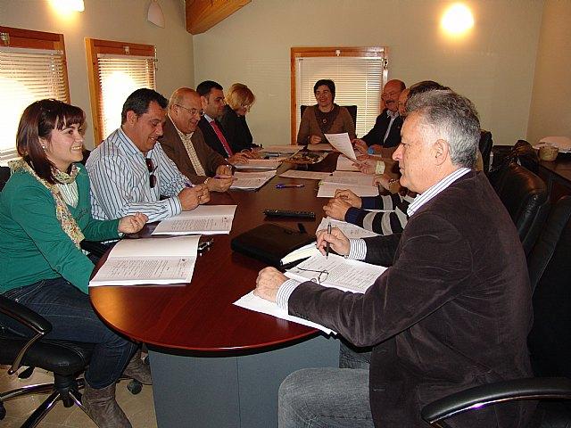 La junta de gobierno de la mancomunidad turística de Sierra Espuña da a conocer el fallo del jurado con los premiados de la edición de Fotoespuña'09, Foto 1