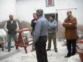 El concejal de Vivienda visita las obras de rehabilitación de las fachadas, cubiertas y medianeras de la calle Mayor Triana