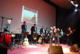 El aforo de la sala de artes escénicas se quedó pequeño para acoger al público que rememoró  y disfrutó con La voz de los Panchos y el grupo Alma llanera - 7