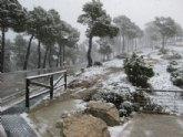 La nieve ha empezado a cuajar a partir de la altura del collado del pilón y en la zona del EVA 13 de Sierra Espuña