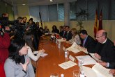 El alcalde de Totana y el consejero de Política Social suscriben un convenio de colaboración por importe de 47.800 euros