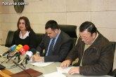 El ayuntamiento y la asociación de belenistas de Totana (ABETO) firman un convenio de colaboración