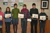 Entregan los premios del II concurso de carteles contra la violencia de g�nero dirigido a los j�venes de 12 a 18 años de los centros educativos - 14