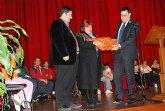 El Centro Ocupacional José Moyá realiza un emotivo homenaje y acto de reconocimiento a la profesora de manualidades, Conchi del Moral