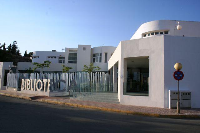 Nuevo récord de usuarios en la biblioteca de Puerto de Mazarrón durante el verano, Foto 1