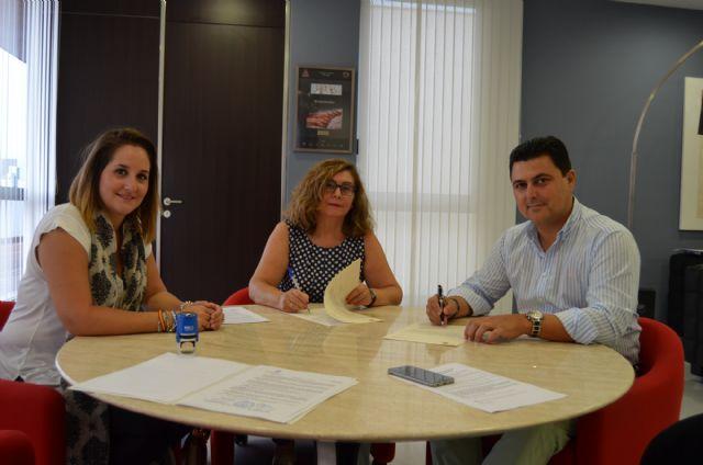 Un convenio con el Ayuntamiento de San Javier  permite a AFEMAR mantener sus talleres ocupacionales de cerámica y deporte - 1, Foto 1