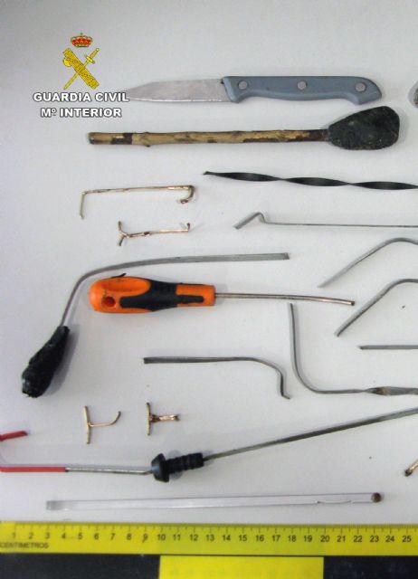 La Guardia Civil detiene en Mazarrón a un experimentado delincuente dedicado a cometer robos en comercios - 2, Foto 2