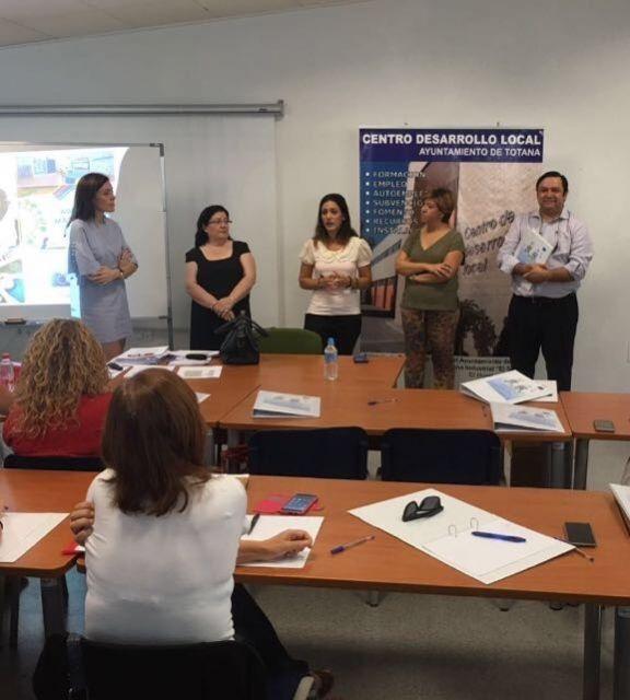 Se inaugura el curso Gestión de proyectos municipales de conciliación, desde la perspectiva de género - 3, Foto 3