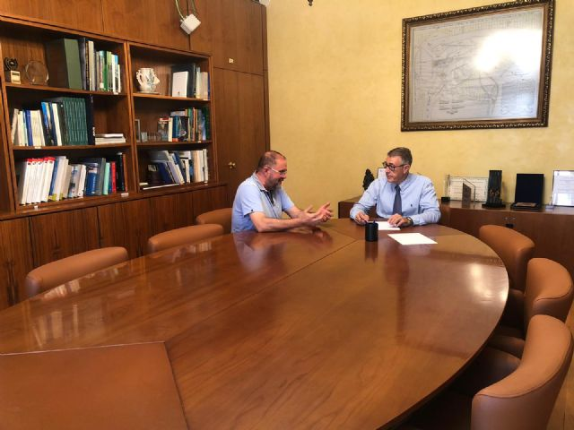 The mayor meets with the president of the Segura Hydrographic Confederation (CHS), Foto 2
