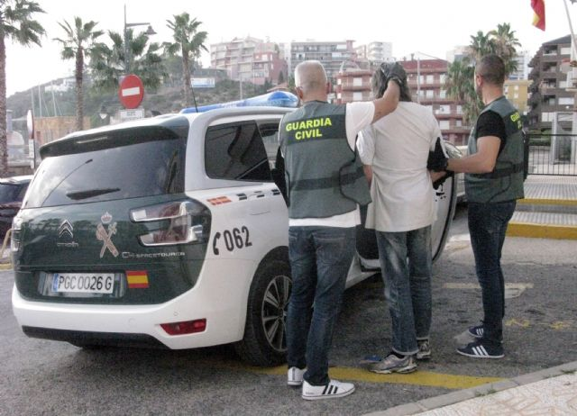 La Guardia Civil detiene a un experimentado delincuente por robos en viviendas de Puerto de Mazarrón, Foto 1